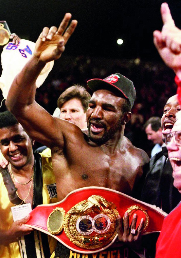 BOX-EVANDER HOLYFIELD AND BELT