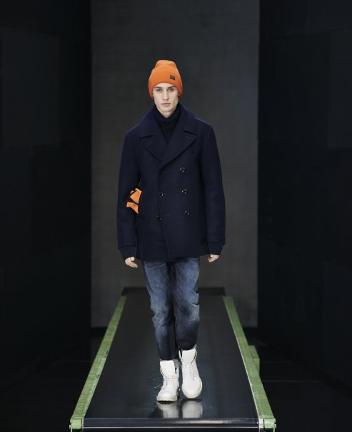 13_GSTAR_AW_2015_WOOL_PEACOAT-AVISAR_TURTLE_KNIT_L_S-ARC_3D_SLIM-ORIGINALS_COPER_LONG_BEANIE-ORIGINALS_COPER_GLOVES_493x606