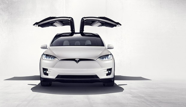 tesla-model-x-SUV-official-announcement-designboom-06-818x355