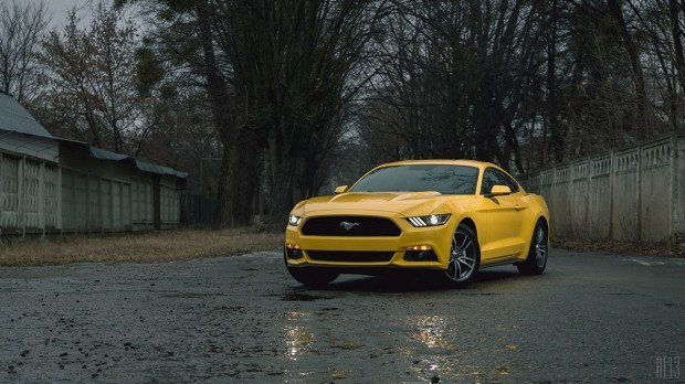 Ford Mustang 2.3 EcoBoost 2015: ����������� ����� ������������ ���� (NuzKIxI34Eg-620x348)