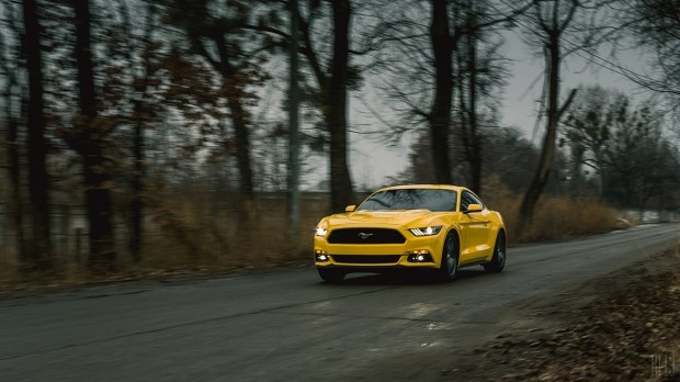 Ford Mustang 2.3 EcoBoost 2015: ����������� ����� ������������ ���� (cYPQlv6bsOY-620x348)